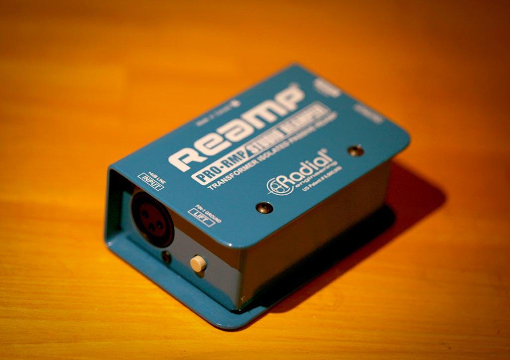 Radial社のリアンプボックス「Reamp」の写真。
